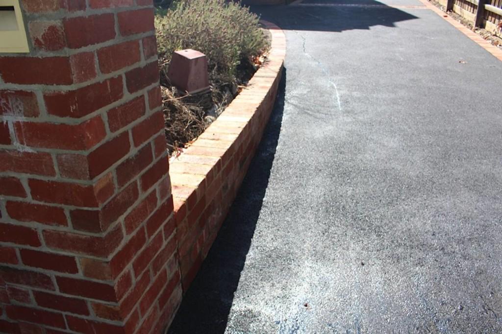 brick-letterbox
